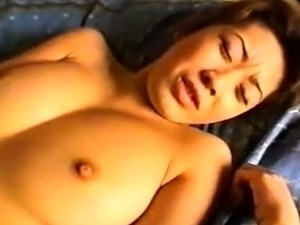 asian girl bottomless