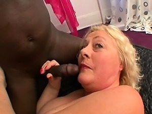 french mature pussy getting massaged