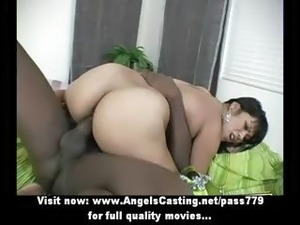 Amateur lovely sexy brunette babe doing blowjob and gets her pussy licked
