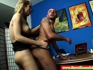 tranny threesome video