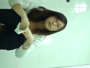 korean girl masterbates on the toilet