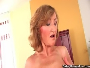 older younger l esbian sex tube