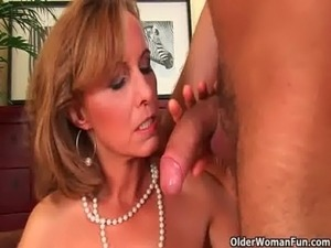 older women seduce young girl