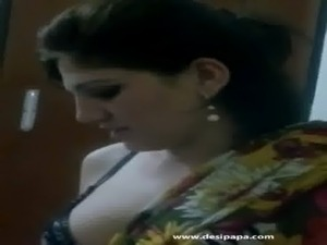Stunning booby pakistani girl dancing naked mujra video