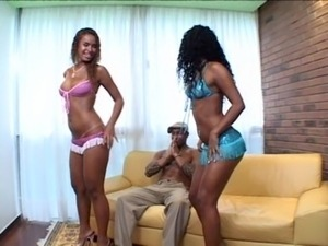 spanish girls kissing and fingering lesbian