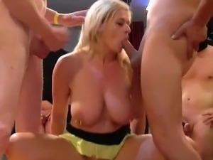 extremely young naked gallery