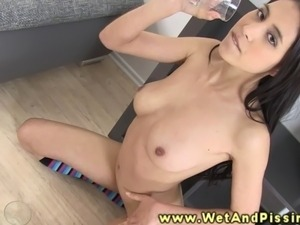 video girls pee horny