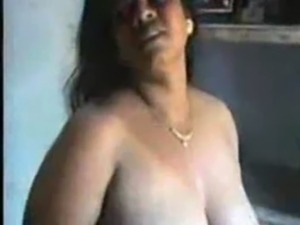 Naked pics of indian aunties