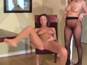 girls who squirt when they orgasm