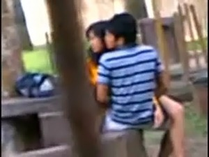 Indian College Students Fucking in public park Voyeur Recorded by people free