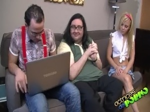 geek girls sex at home