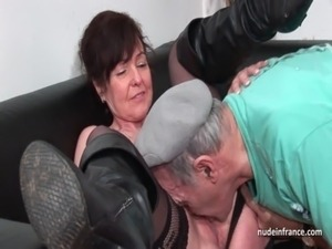 Amateur mature hard DP and facialized in 3way with Papy Voyeur free
