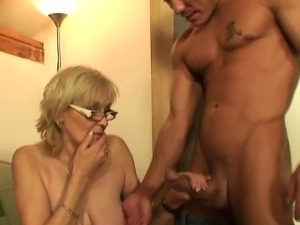 hot slut fuck mom sex