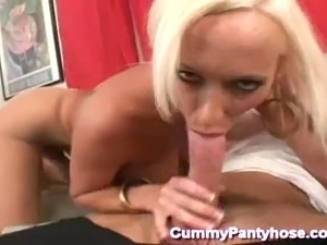 wet hot shaved pussy in pantyhose