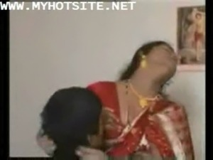 Indian aunties saree sex