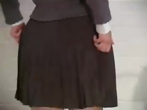 pissing asian schoolgirls