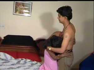 Hot mallu aunty having sex