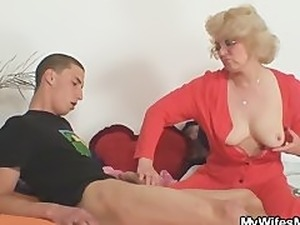 mother teaches sex video