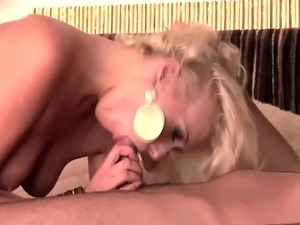 hot babes naked pussy pics
