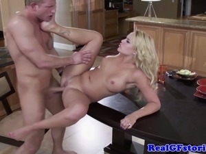 housewifes who fuck around