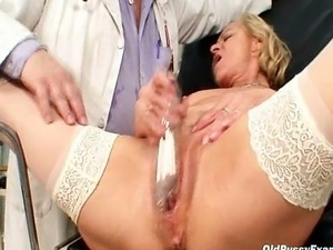 erotic wife gyno exam story