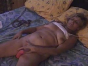 brunette matures hairy pussy