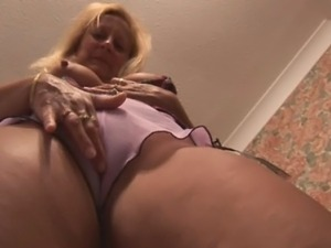 upskirt porn video