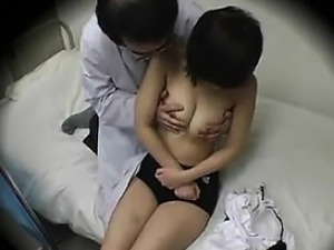 doctor seduces japanese girls