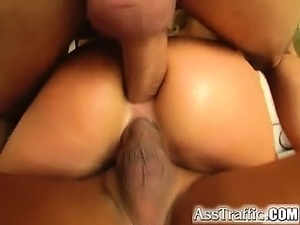 black haired girl cumshot
