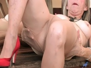 lick girlfriends pantyhose