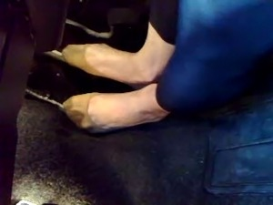 hooter girl foot tickling video
