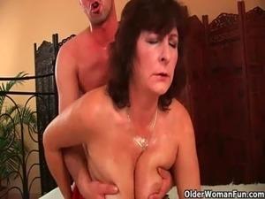 mom porn galleries