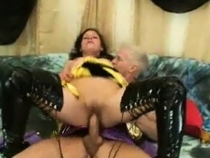 asian in latex sex