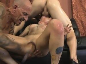 brunette lesbian sex pics