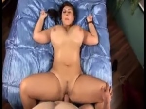 girlfriend gives handjob
