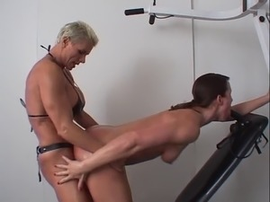Girl on girl strapon sex