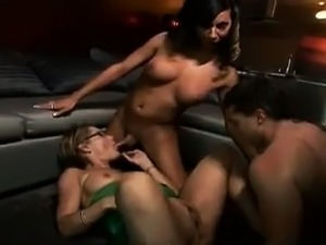 asian ladyboy pictures free