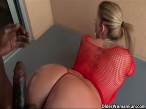 boozedwomen suck fucking black guy