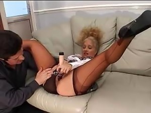 amateur wife blowjob in nylons