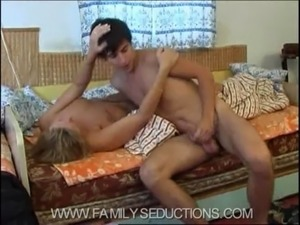 naked family of video