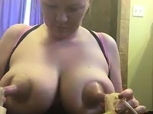 Gorgeous Big Tit Lactating Girl Friend Pumps on Cam
