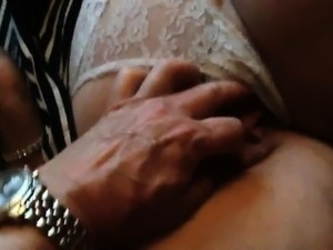 Amateur granny showing her pussy on cam
