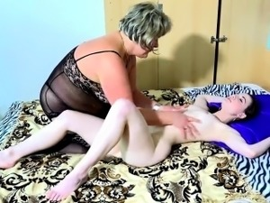 mature with young lesbian porn