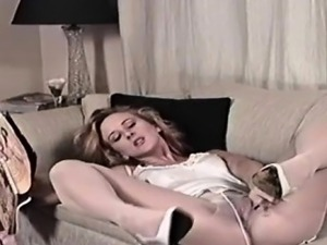 video girl caught fingering