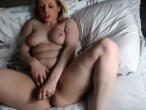 girls fingering each other to orgasm