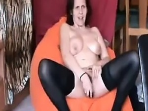 House wife masturbating