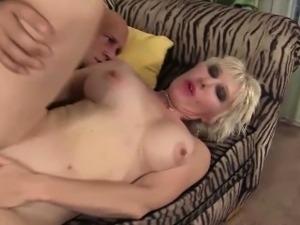 pussy sucking blonde lesbians
