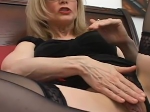 videos of mature women in stockings