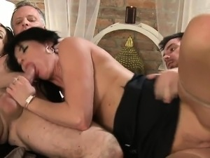 mature swingers porn video archive