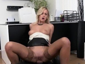 free mature cigarette fetish vids